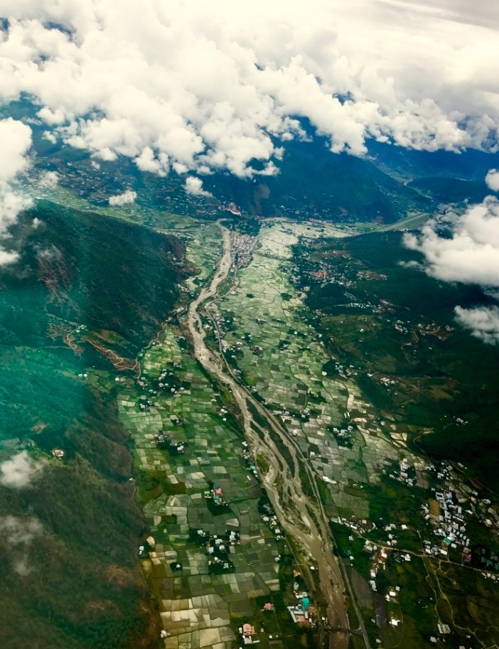 scary flight flying into Paro airport, Bhutan