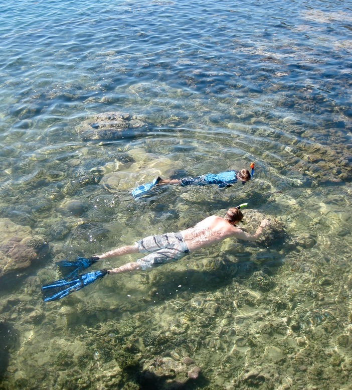 Moorea tahiti with kids snorkling