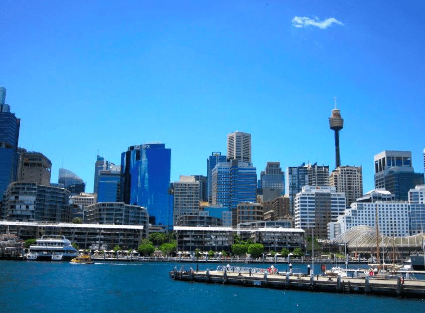 Sydney Australia botanical gardens and harbor with kids