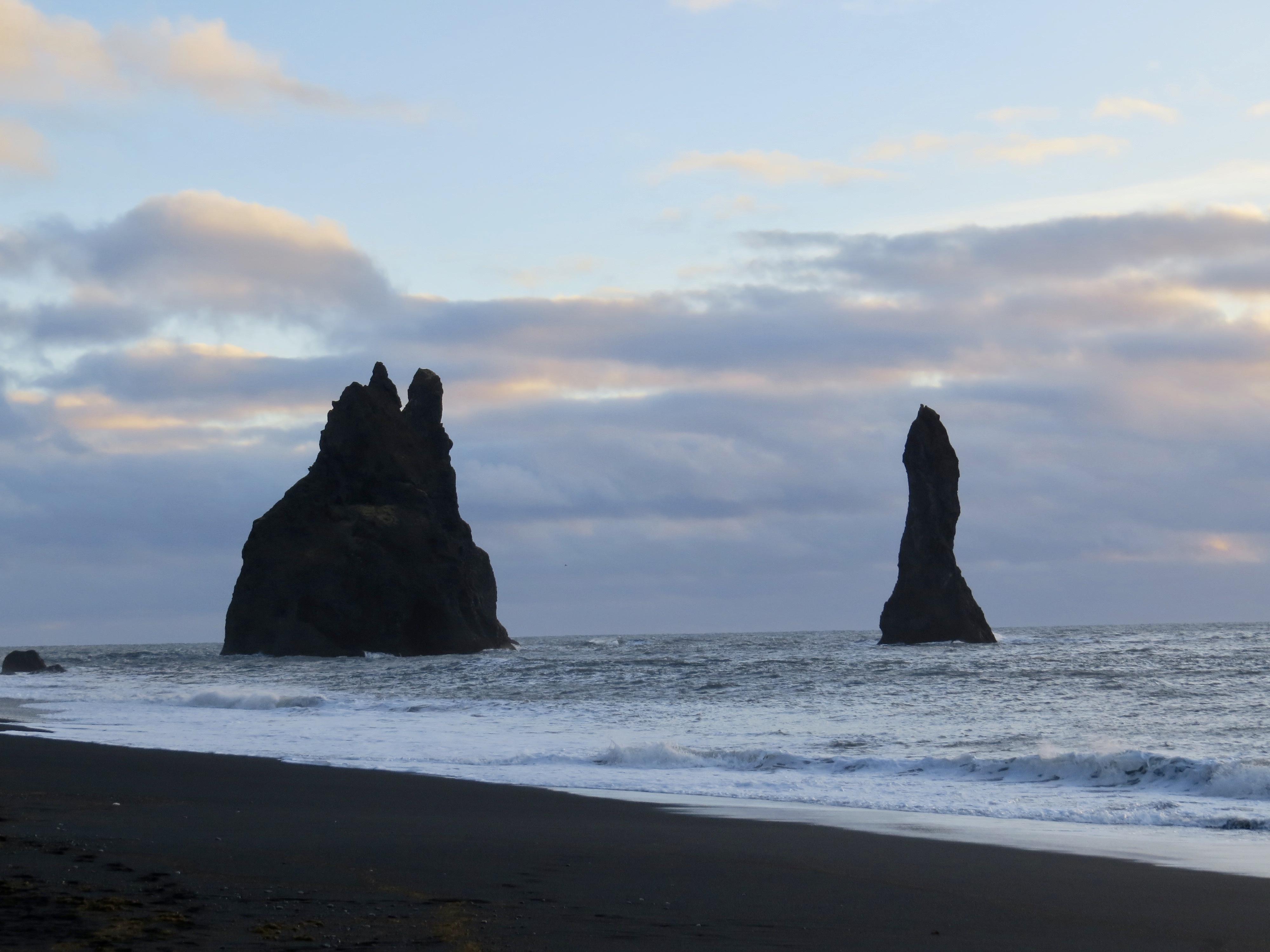 Reynisdrangar iceland, 3 ships black beach