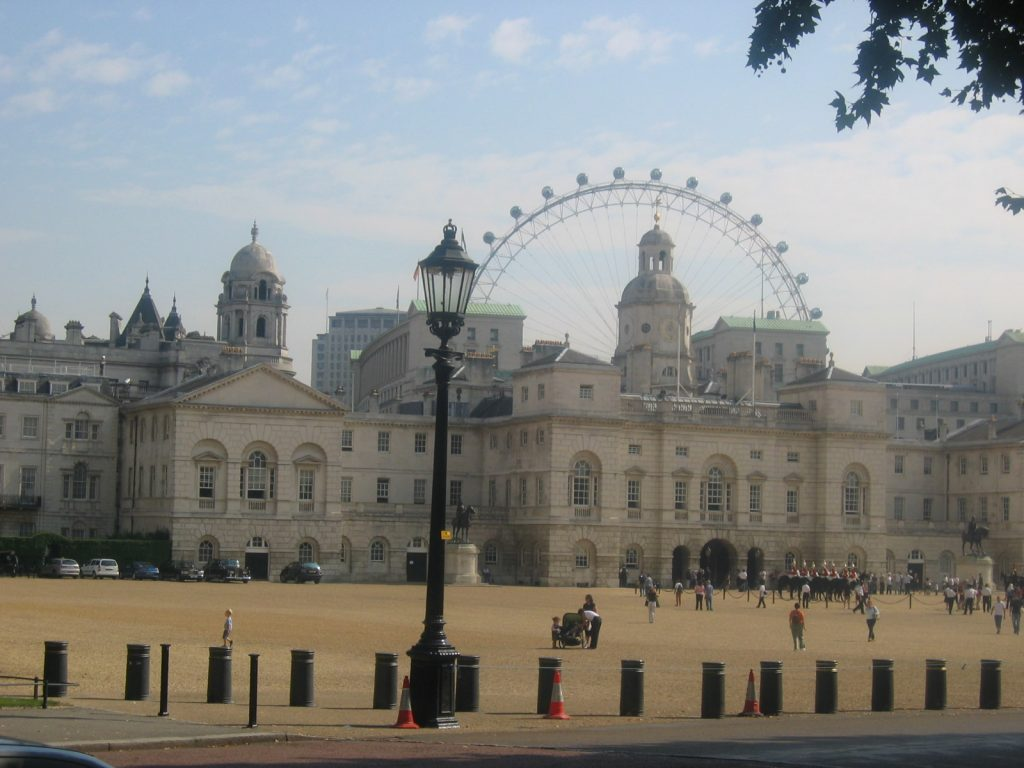 buckingham palace and london eye