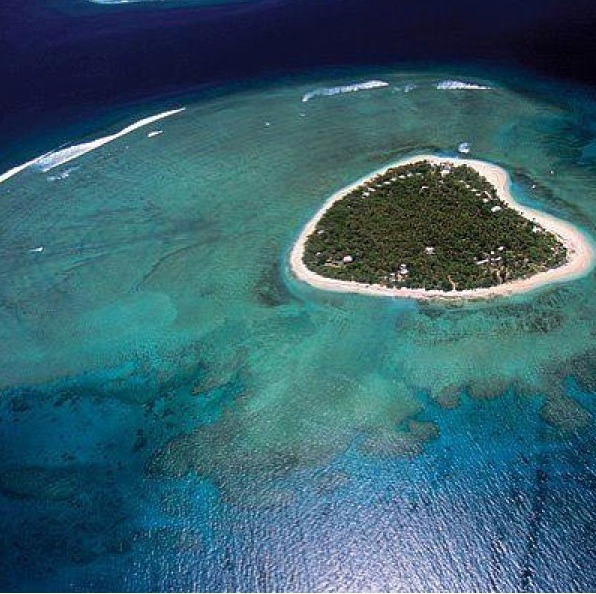10 best places to travel - tavarua island fiji