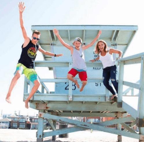 hermosa beach lifeguard tower beach summer