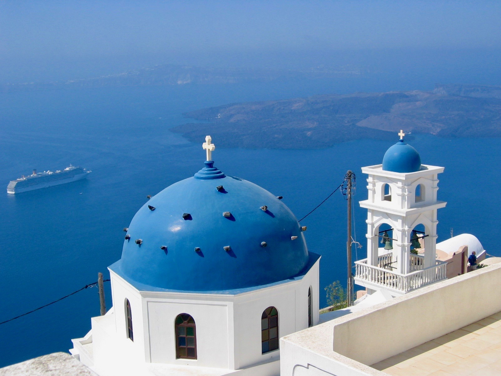 8 Reasons To Fall In Love With Santorini, Greece • My