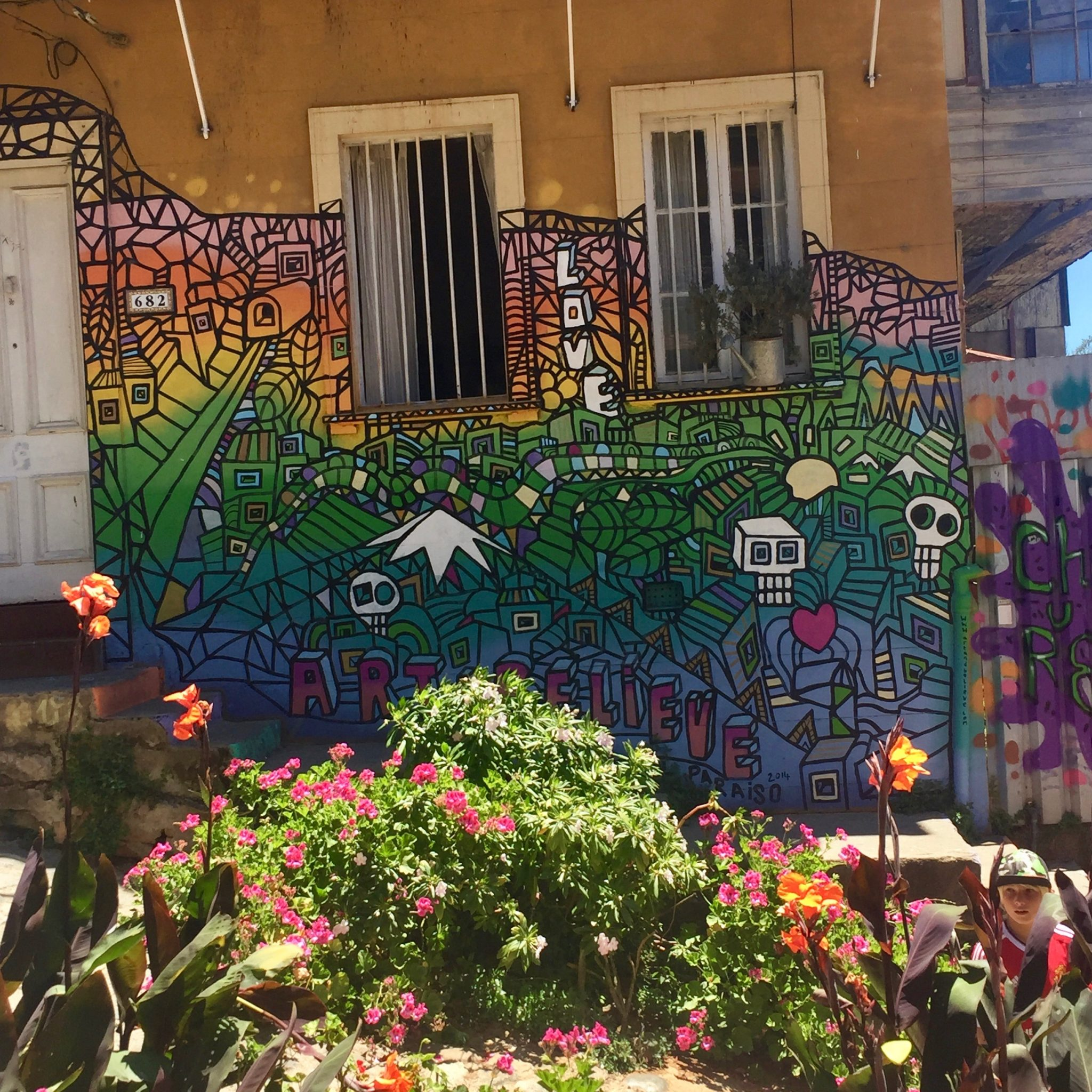 Where to Find Street Art in Valparaiso: