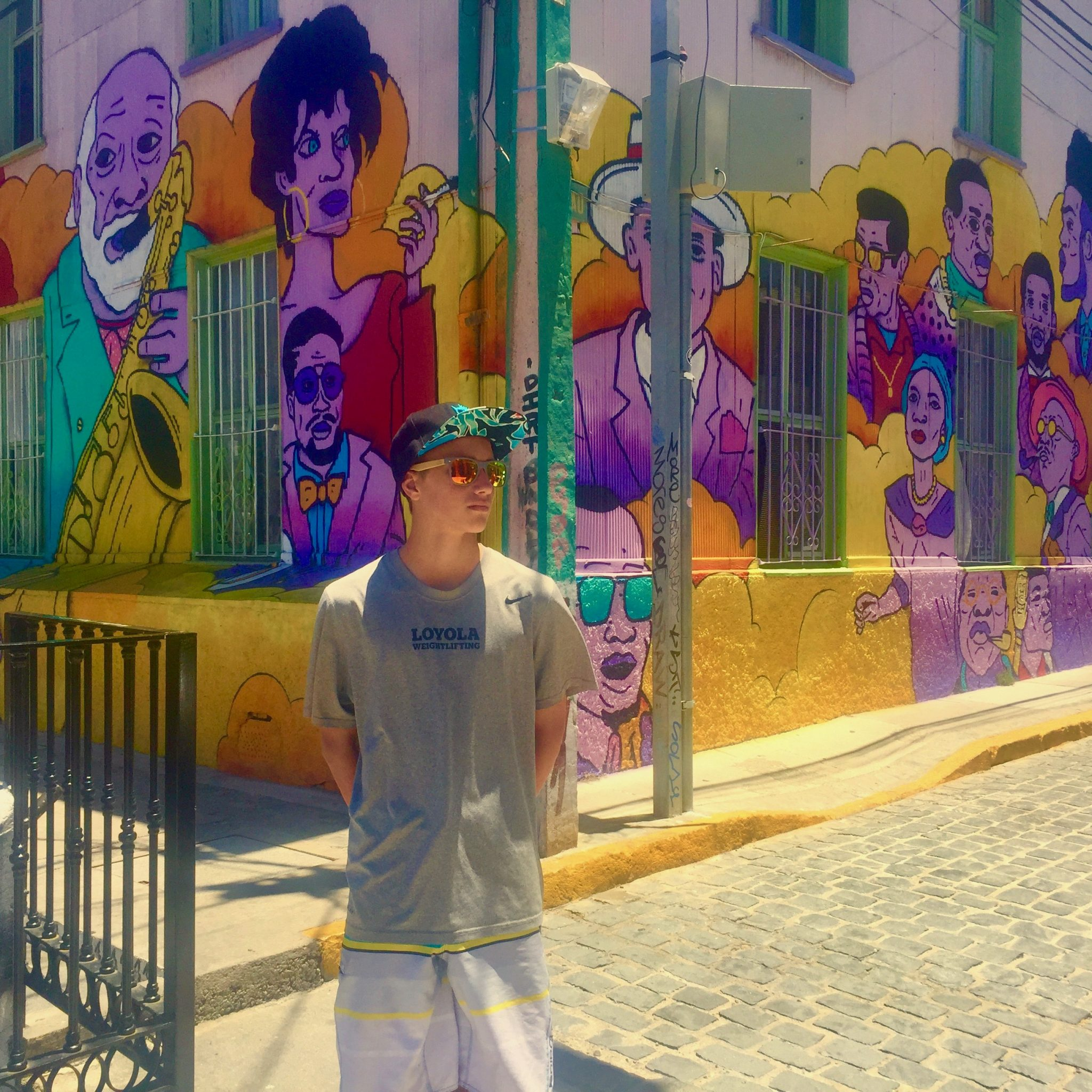 Valparaíso, Chile with the family to see street art