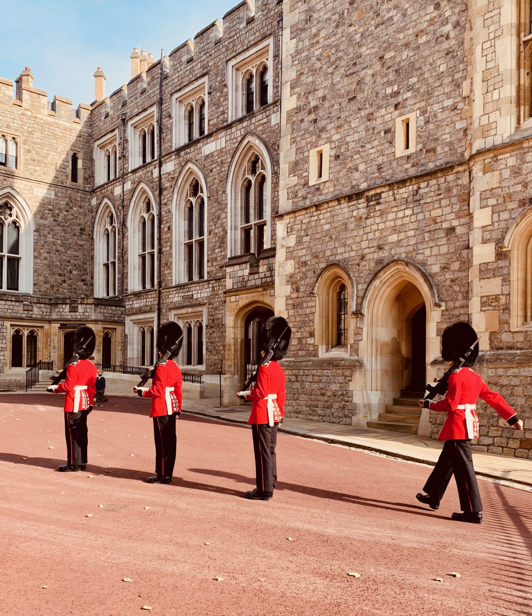 windsor castle changing the guard