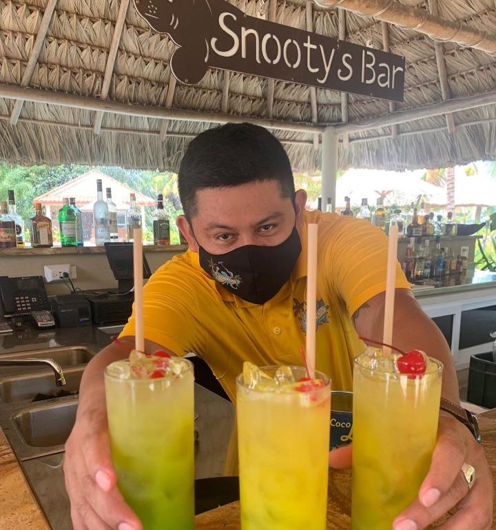 snootys bar in sirenian bay resort