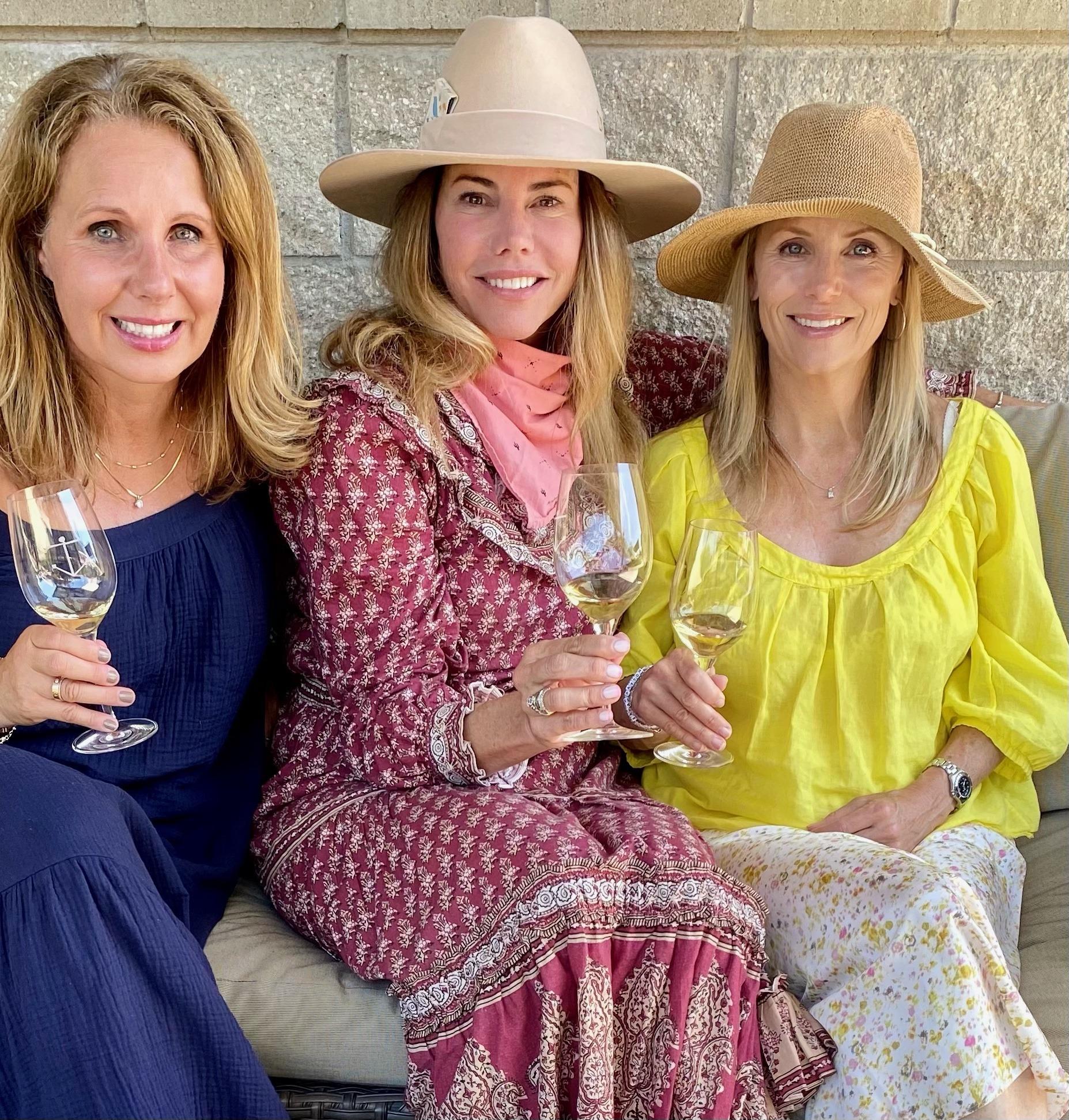 girls weekend away to go wine tasting